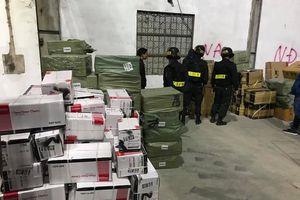 Đình chỉ 6 lãnh đạo, công chức Hải quan cửa khẩu Bắc Phong Sinh