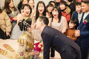 Hạnh phúc lạ lùng của mối hôn sự 'hai bên cùng cưới' - trào lưu kết hôn mà chẳng khác gì ly hôn của giới trẻ Trung Quốc