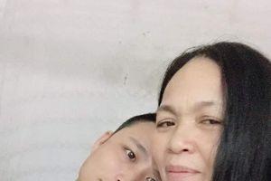 Vợ 53 tuổi - chồng 29 tuổi: Hạnh phúc nhọc nhằn trong 8 năm kết hôn