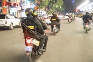 Theo chân Cảnh sát Cơ động chống đua xe đêm Giáng sinh