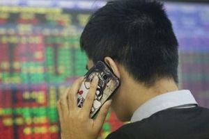 Hết cảnh 'nghẽn mạng', VN-Index lập đỉnh mới của năm