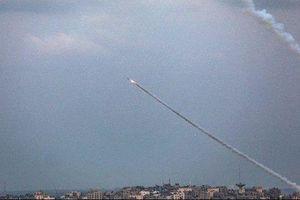 Dải Gaza: Ai Cập sơ tán tòa nhà Đại sứ quán; hệ thống phòng không 'Vòm sắt' của Israel đánh chặn 2 tên lửa