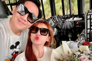 Vợ chồng Trấn Thành - Hari Won kỷ niệm 1500 ngày bên nhau; Đàm Thu Trang tặng Cường Đô la siêu mô tô trong dịp giáng sinh