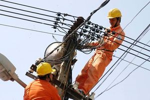An toàn lao động là nội dung được coi trọng hàng đầu của ngành điện