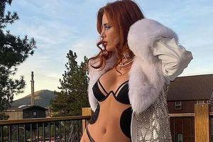 'Chân dài' Bella Thorne đẹp ngất ngây với nội y