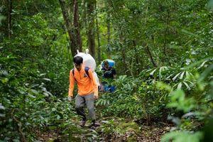 Băng rừng, lội suối xây trường cho bản Đoòng