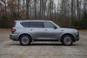 Chi tiết SUV Nissan dùng động cơ V8, giá gần 1,2 tỷ đồng