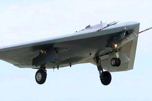 UAV Okhotnik thử nghiệm tấn công mục tiêu trên không vào năm 2021