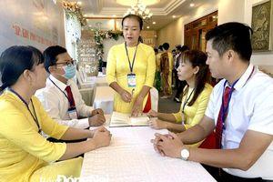 Phó bí thư Đảng ủy xã gần dân