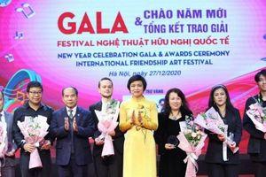Ấn tượng đêm Gala Liên hoan nghệ thuật hữu nghị quốc tế tại Hà Nội