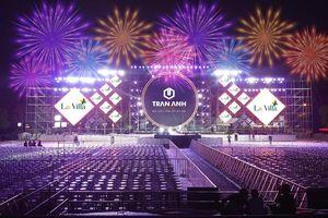 Bắt mắt với sân khấu Đại nhạc hội Chào Xuân 2021 lớn nhất Khu vực Đồng bằng Sông Cửu Long