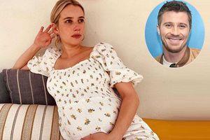 Emma Roberts sinh con đầu lòng