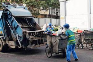 UBND phường Trúc Bạch phản hồi về điểm tập kết rác trên phố Châu Long