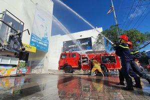 160 người diễn tập chữa cháy tại siêu thị Co.opmart Nha Trang