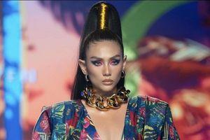 Siêu mẫu Võ Hoàng Yến tiếp tục làm vedette tại Lễ hội Thời trang Quốc tế Việt Nam 2020