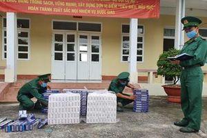Biên phòng Kiên Giang thu giữ 3.000 gói thuốc lá ngoại nhập lậu