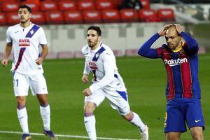 Vắng Messi, Barca suýt chết trước 'kèo dưới'