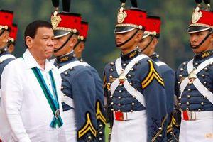 Đội cận vệ của Tổng thống Philippines Duterte tiêm vắc-xin COVID-19 lậu