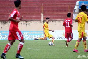 Trung vệ Lê Thành Lâm và màn 'lột xác' qua một giải đấu