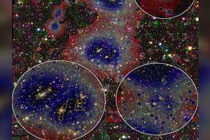 Kính viễn vọng chụp được vật thể lạ hình bộ tóc, 'trói' hàng loạt thiên hà