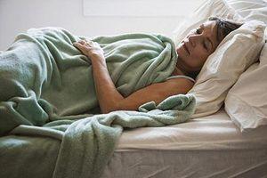 Tác hại không ngờ từ thói quen 'ngủ nướng' ngày cuối tuần