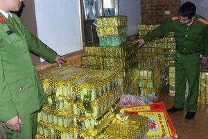 'Đột kích' cơ sở làm giả trà xanh Tân Cương với số lượng lớn chuẩn bị tung 'hàng' ra thị trường