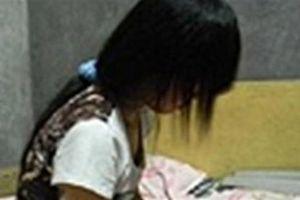 6 thanh niên nghi quan hệ với bé gái