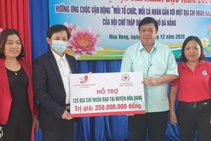Trao hỗ trợ cho 149 địa chỉ nhân đạo