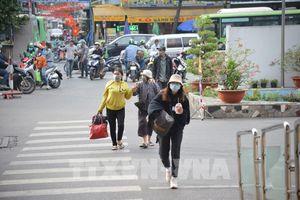 Nhu cầu đi lại giảm, khu vực bến xe, nhà ga tại Tp. Hồ Chí Minh thông thoáng