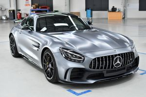 Mercedes-Benz tăng giá nhiều mẫu xe tại Việt Nam