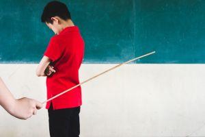 Trung Quốc cấm giáo viên phạt đòn học sinh