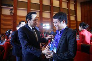 Không gục ngã và tỏa sáng nghị lực Việt