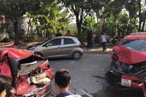 Ngày cuối năm, cô gái trẻ bị xe ben cán tử vong, tai nạn liên hoàn khiến 4 người bị thương