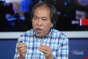 Nhà thơ Nguyễn Quang Thiều: 'Tôi là người đi ngang qua cánh đồng hội họa'