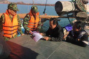 Hải Hà bắt giữ 2 tàu cá khai thác thủy sản trái phép