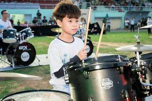 CLIP: 80 tay trống lập kỷ lục Guiness Việt Nam