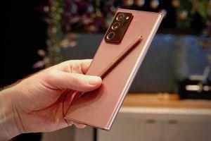 Năm đáng quên của những smartphone màn hình gập vội vã... chào đời