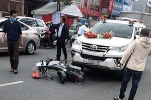 Va chạm với ô tô 7 chỗ đi rước dâu, người phụ nữ tử vong tại chỗ
