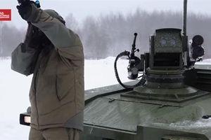 Robot Nga vận hành bằng khẩu lệnh, tự phối hợp với UAV