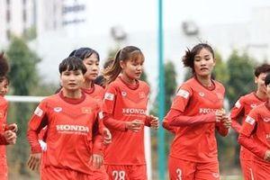 Tuyển nữ Việt Nam: Khó khăn khi tìm 'quân xanh'