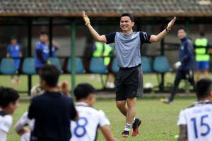 Làm thầy của 'tuyển Việt Nam thu nhỏ', Kiatisak sẽ giúp HAGL vô địch sau 16 năm?