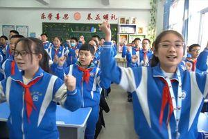 Bài tập thể dục chống rét của học sinh Trung Quốc