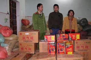Điện Biên: Phát hiện 202kg pháo nổ giấu trong xe chở thóc