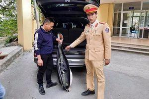 Lái ô tô mang theo súng, gặp ngay tổ công tác 141