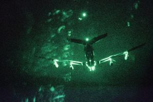 Flightradar 24: Máy bay quân sự Mỹ xâm phạm nhầm không phận Iran