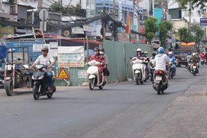 Cận cảnh lô cốt 'bủa vây' trên đường phố TPHCM ngày đầu năm