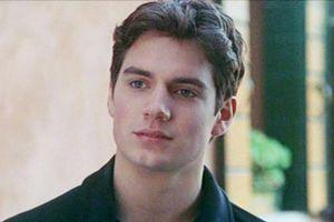 Henry Cavill từng được nhắm vào vai ma cà rồng Edward Cullen