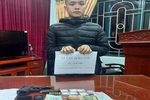 Thanh niên mua ma túy để dùng dần và lận lưng súng K59 có 6 viên đạn phòng thân