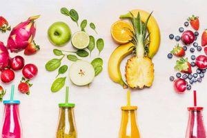 Trong bữa tiệc, bạn đã biết cách dùng nước hoa quả?