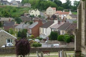 Ngôi làng tí hon sinh đôi với Paris ở Anh